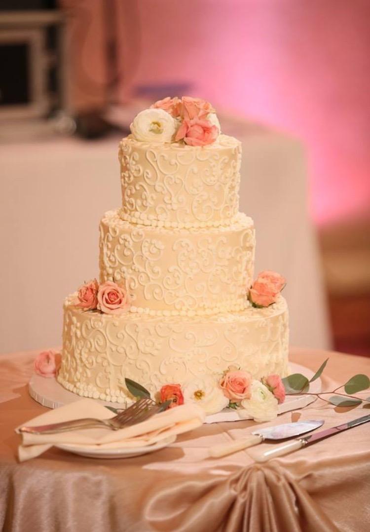 Meet Erin Martin of ECBG Cake Studio in Edgewater - Voyage Chicago ...